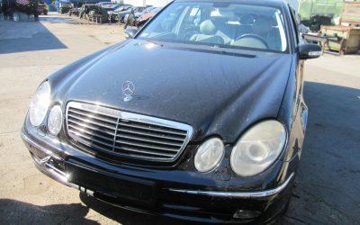 Mercedes E 211